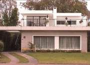 Alquilo casa 3 dormitorios+1 servicio 33 mil $ Carrasco s/Av.Blanes Viale y Bolivia