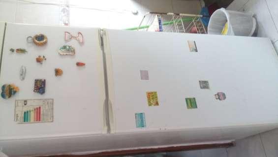Se vende 2 freezer con urgencia por mudanza!!