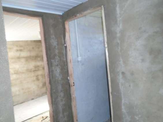 Estan terminando de colocar pisos y pintura, verla !!!