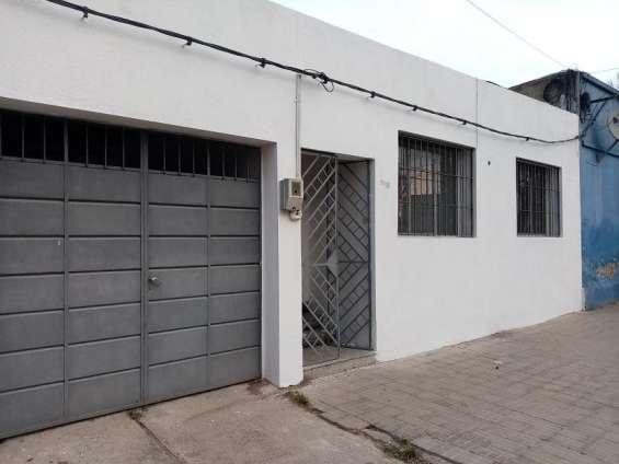 Se vende casa en excelente ubicación centrica