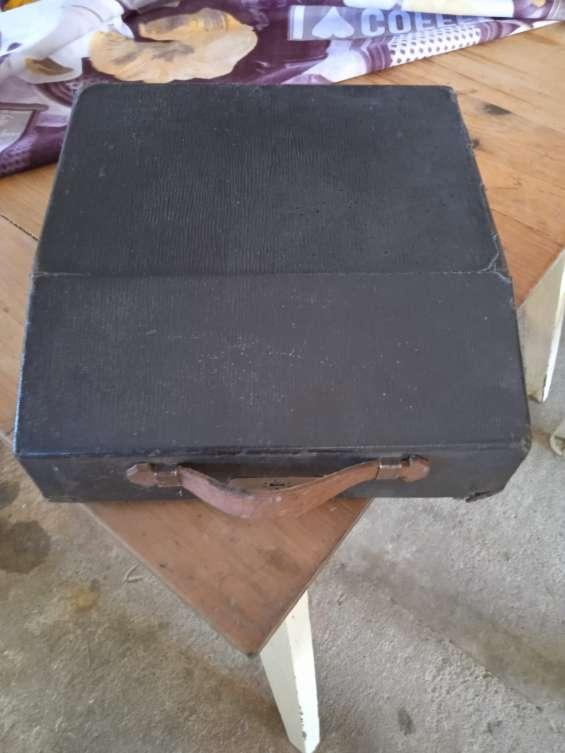 Vendo maquina de escribir antigua