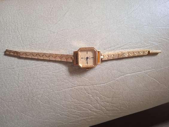Vendo relojes a cuerda andando